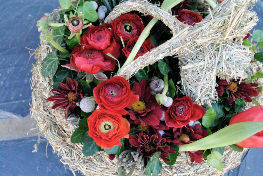decoración rústica en rojo para banquete de boda Mayula flores