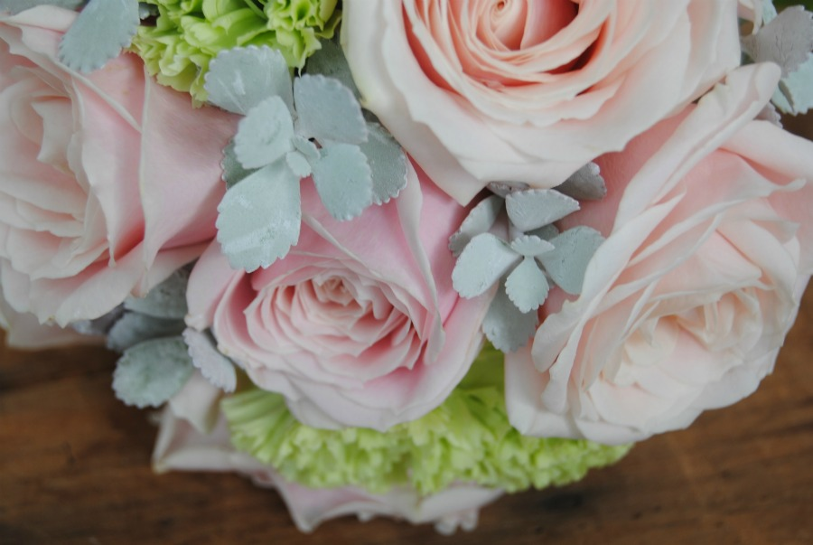Detalle de Ramo de novia rosa Mayula flores