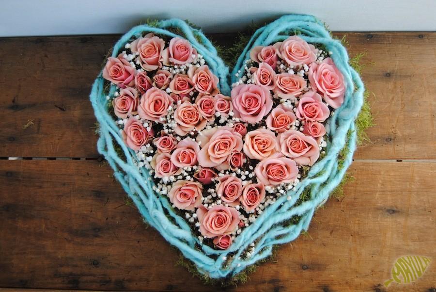 centro de rosas en forma de corazón para regalar en San Valentín