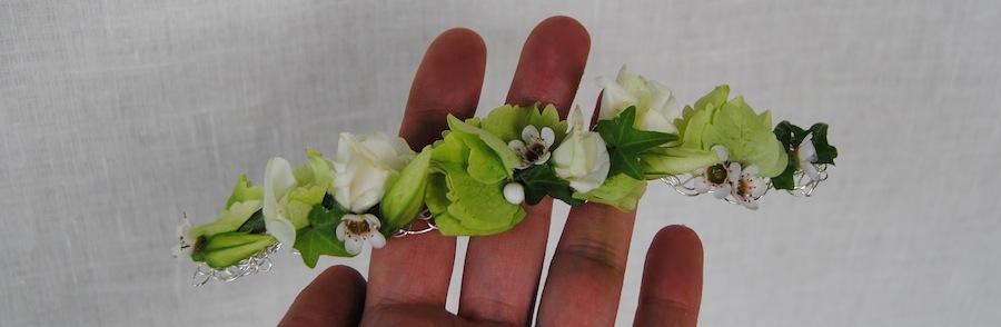 Pasador con flores para comunión