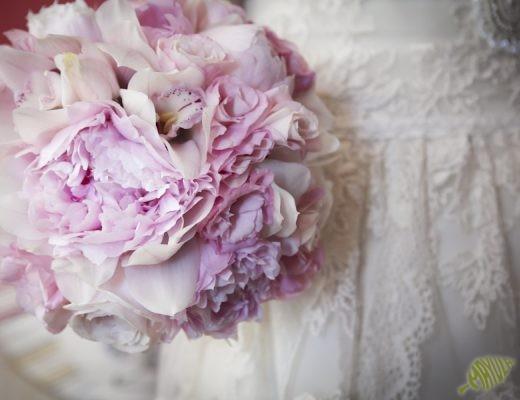 ramo de novia con peonias rosas