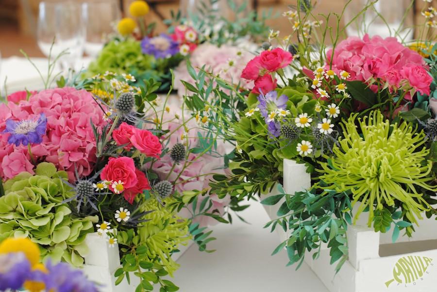 decoracion boda con cajas con flores