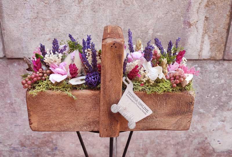 cesta de flores secas y preservadas de mayulaflores.es