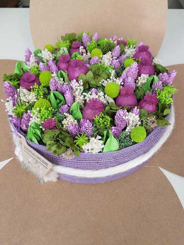 tarta de flores secas y preservadas de mayulaflores.es